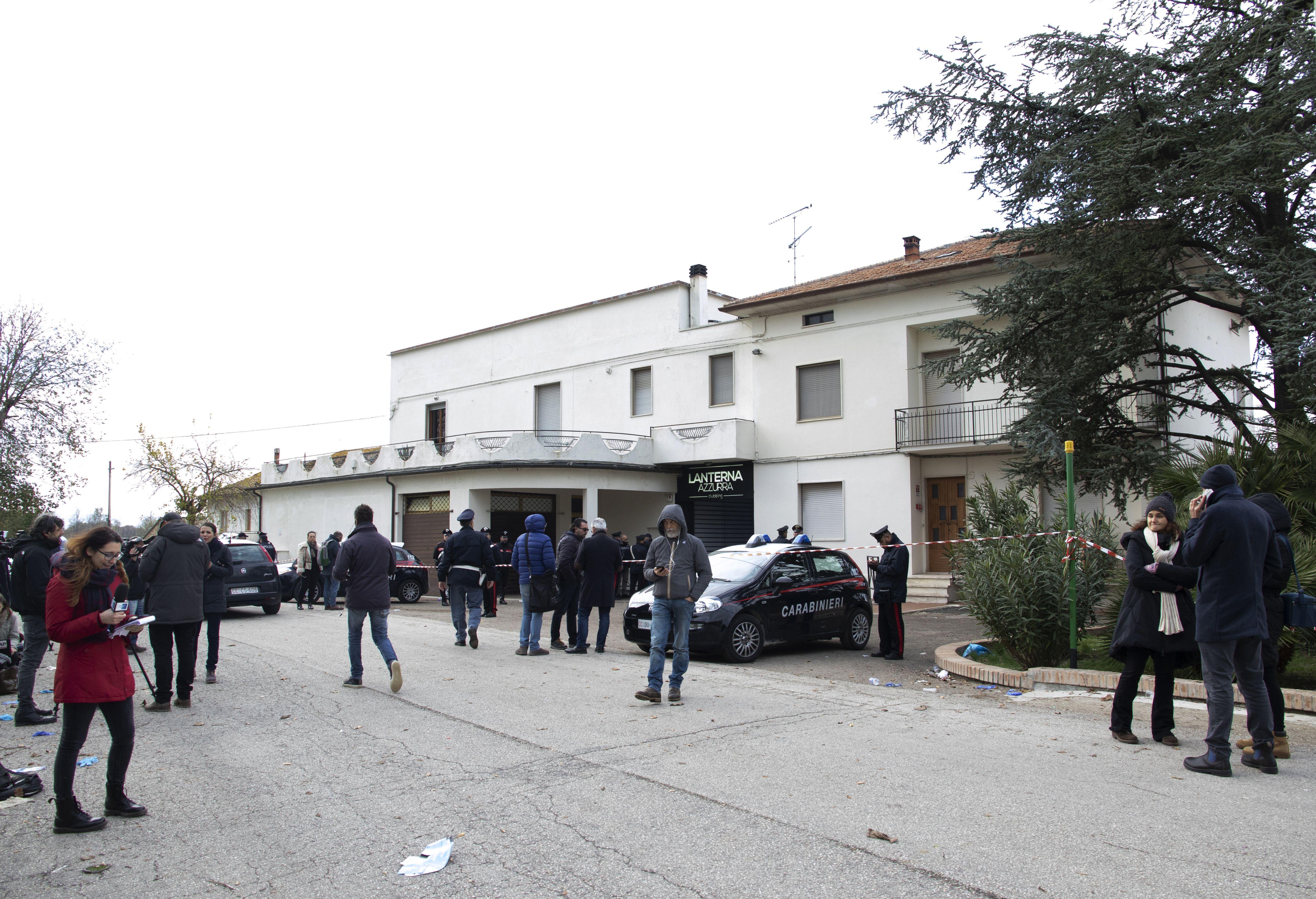 NUMERI SBAGLIATI SULLA TRAGEDIA DI CORINALDO - I Carabinieri correggono le prime ricostruzioni di Conte e Salvini sul sovraff...