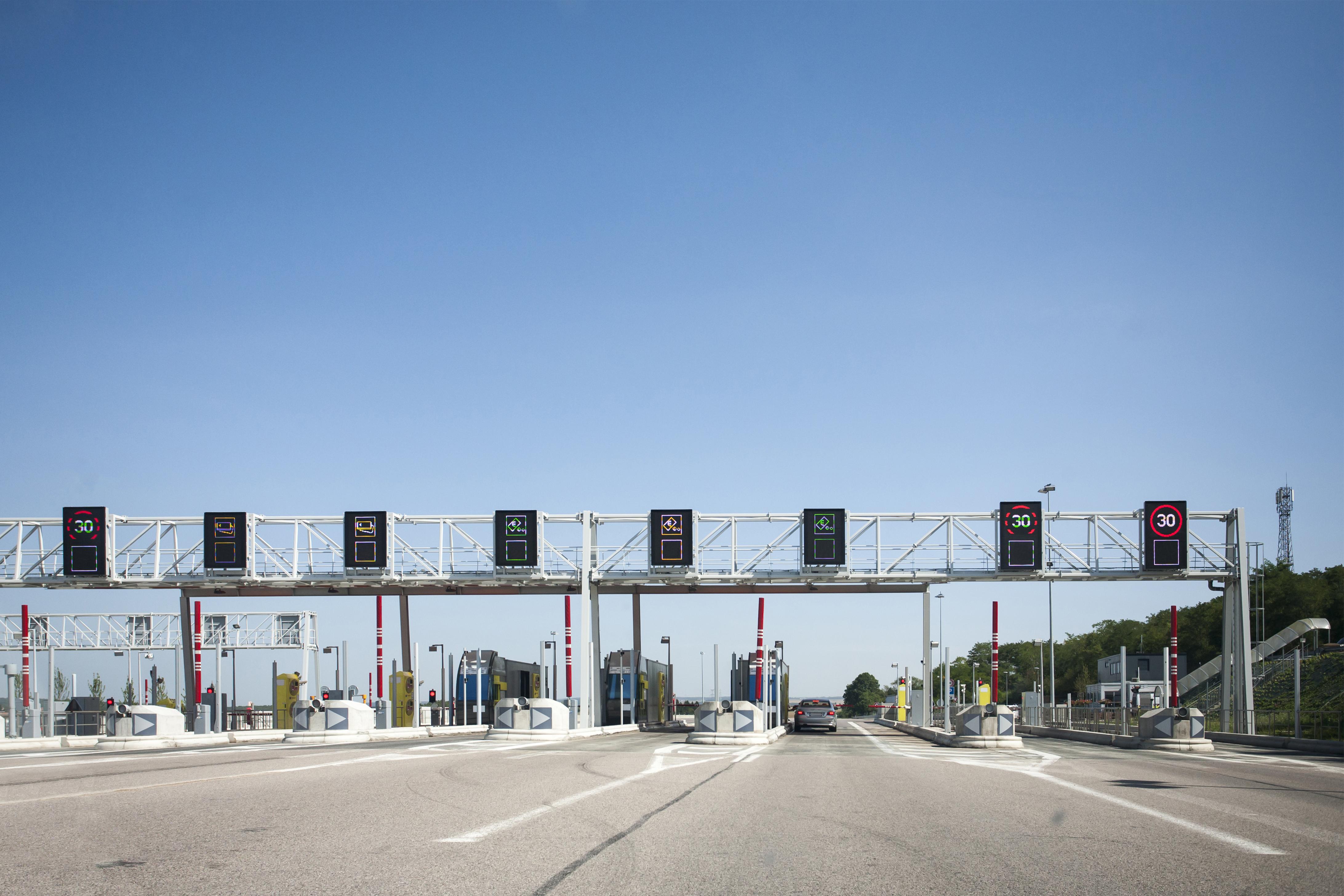 Transportadores de cargas pedem suspensão temporária de pedágio, diz presidente de entidade