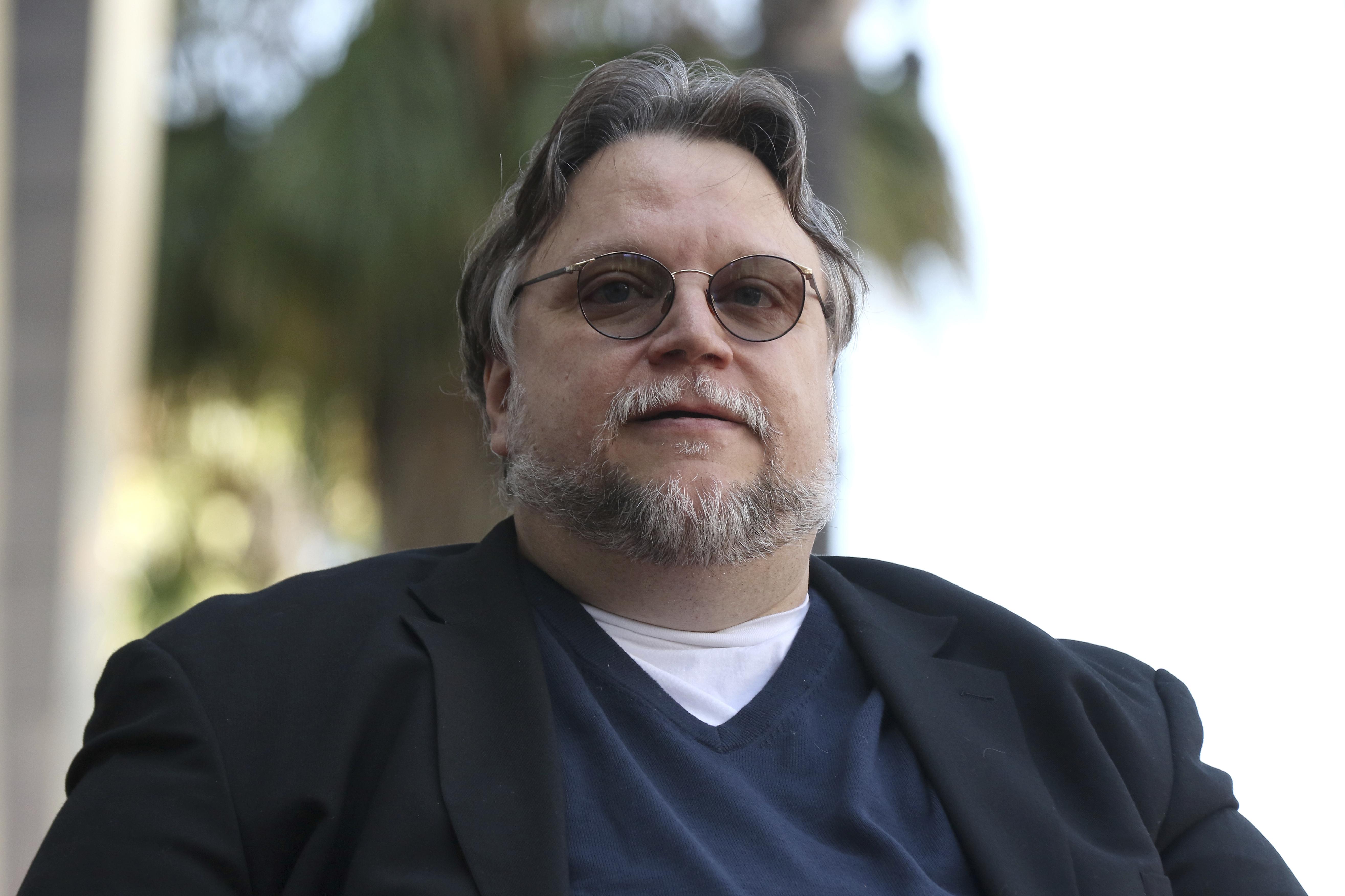 Guillermo del Toro durante la ceremonia para develar su estrella en el Paseo de la Fama de Hollywood el 6 de agosto de 2019 en Los Angeles. (Foto Willy Sanjuan/Invision/AP)