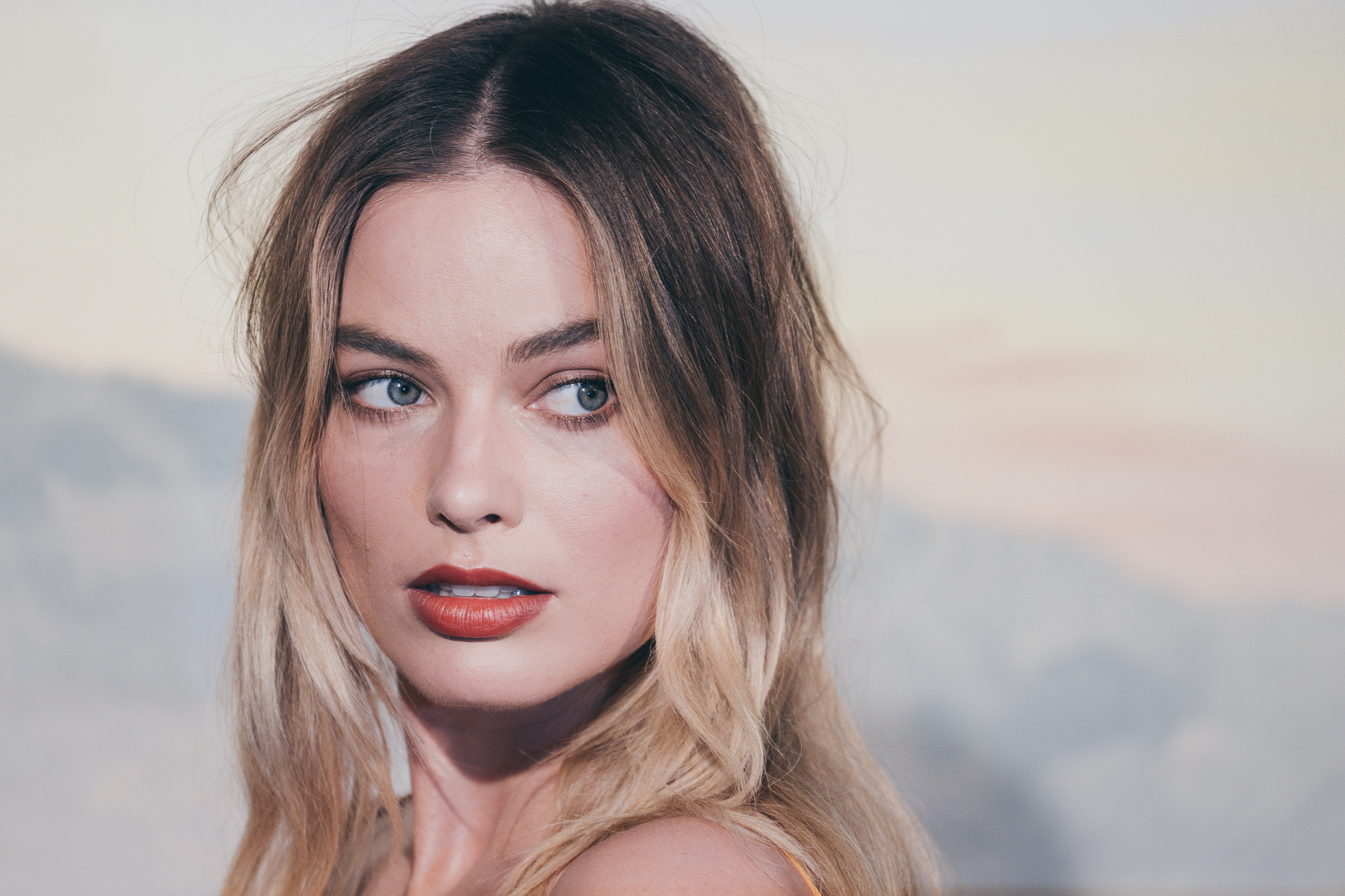 """Australian actress Margot Robbie poses during a photocall ahead of the Italian Premiere of Tarantino's latest movie """"Once Upon A Time In Hollywood"""" in downtown Rome on August 2, 2019 (Photo by Luca Carlino/NurPhoto via Getty Images)"""