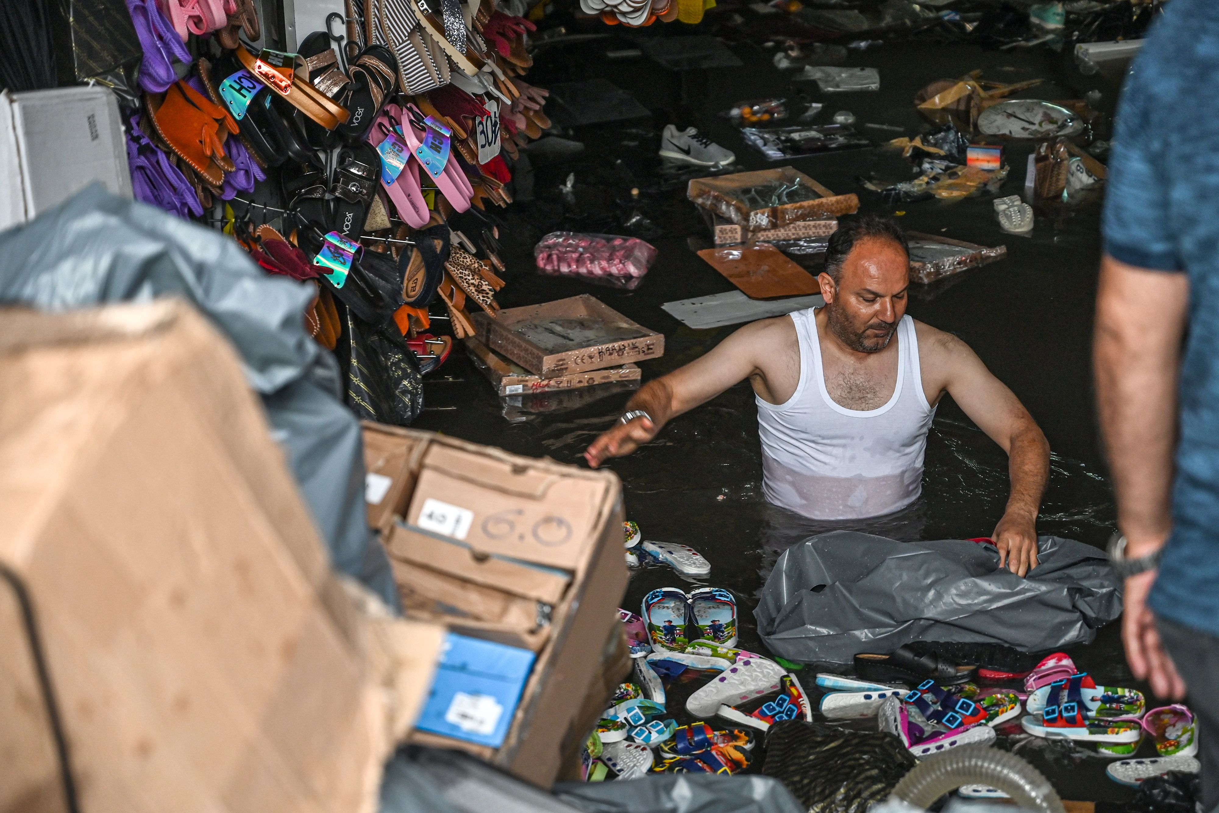 Heavy downpours wreak havoc in Istanbul, flooding historic Grand Bazaar