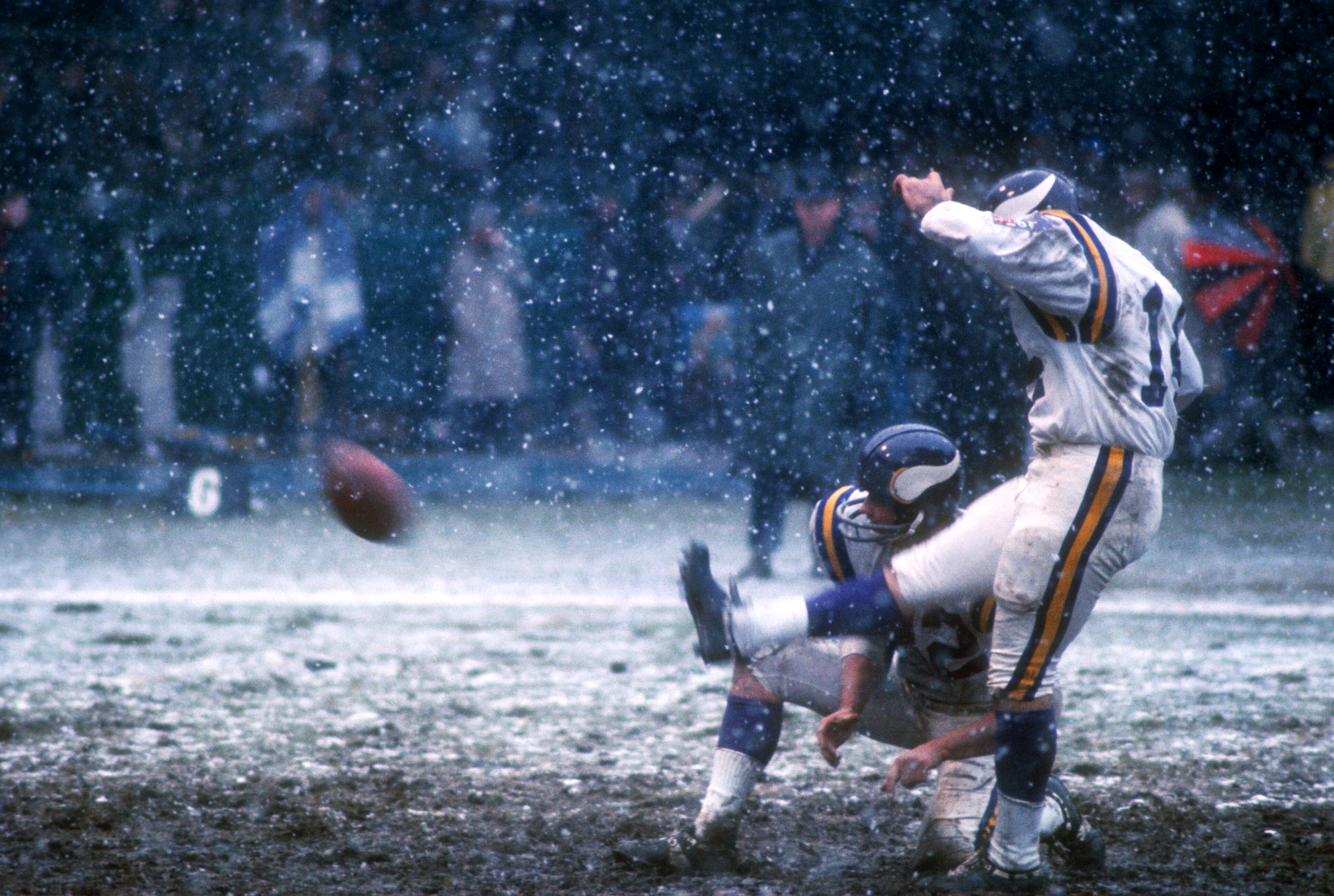 Fred Cox kicking for the Vikings against the Detroit Lions on November 27, 1969 at Tiger Stadium in Detroit, Minnesota. (Photo by Martin Mills/Getty Images)