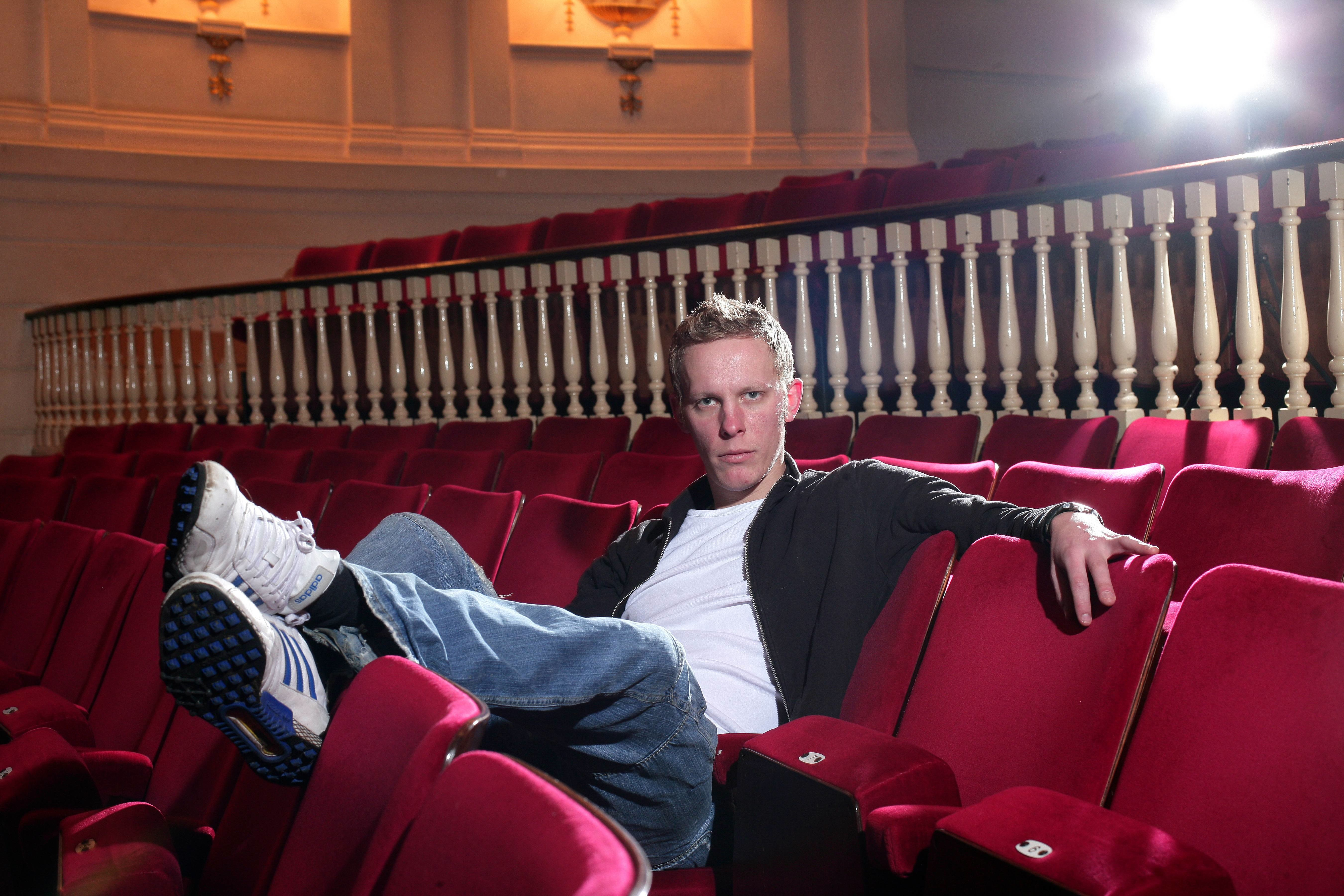 UNSPECIFIED - JANUARY 22:  Photo of Laurence FOX; posed  (Photo by Mick Hutson/Redferns)