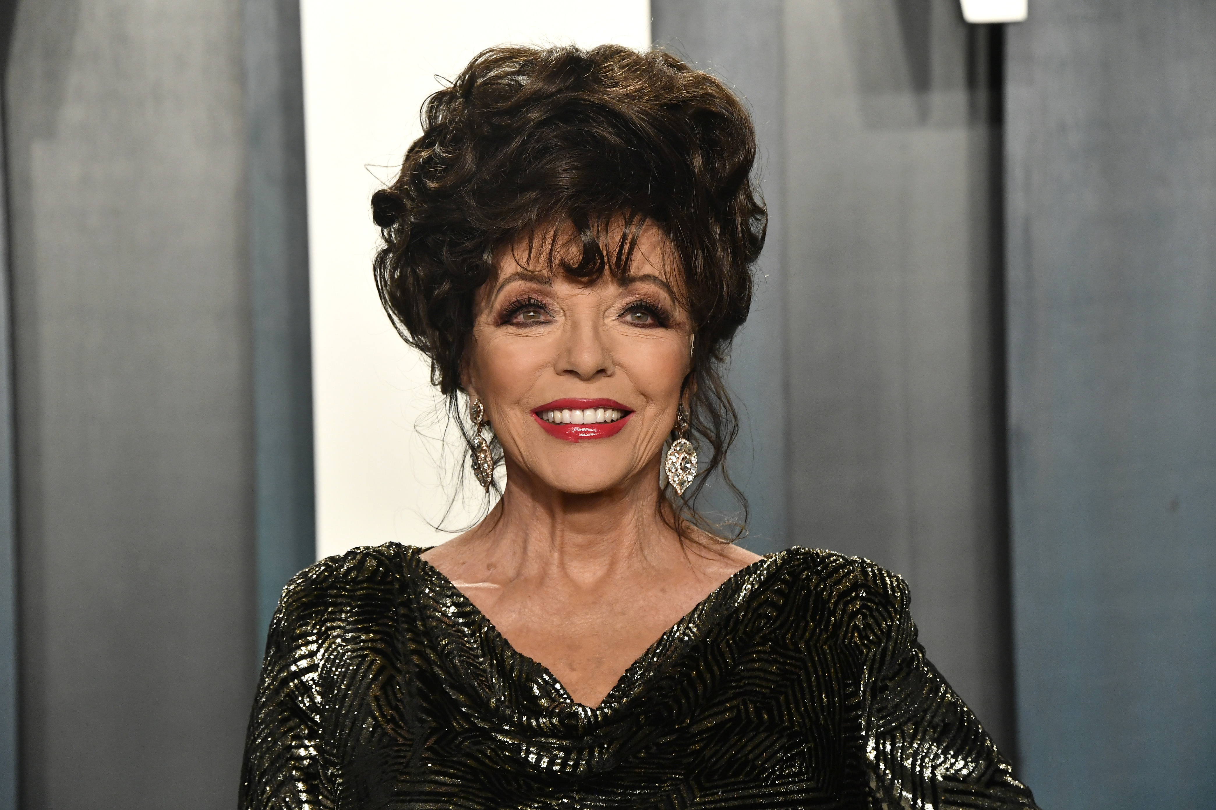 BEVERLY HILLS, CALIFORNIA - FEBRUARY 09: Joan Collins attends the 2020 Vanity Fair Oscar Party hosted by Radhika Jones at Wallis Annenberg Center for the Performing Arts on February 09, 2020 in Beverly Hills, California. (Photo by Frazer Harrison/Getty Images)