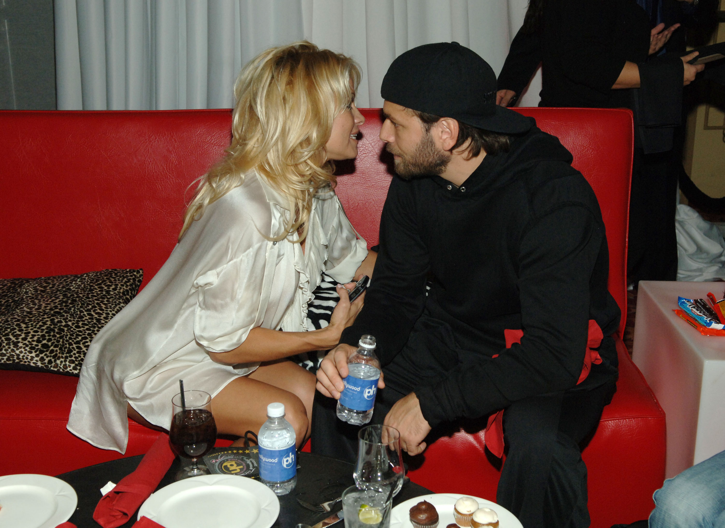 LAS VEGAS - NOVEMBER 16:  Actress Pamela Anderson and Rick Salomon at Planet Hollywood Resort & Casino's Grand Opening Weekend on November 16, 2007 in Las Vegas, Nevada.  (Photo by Denise Truscello/WireImage)