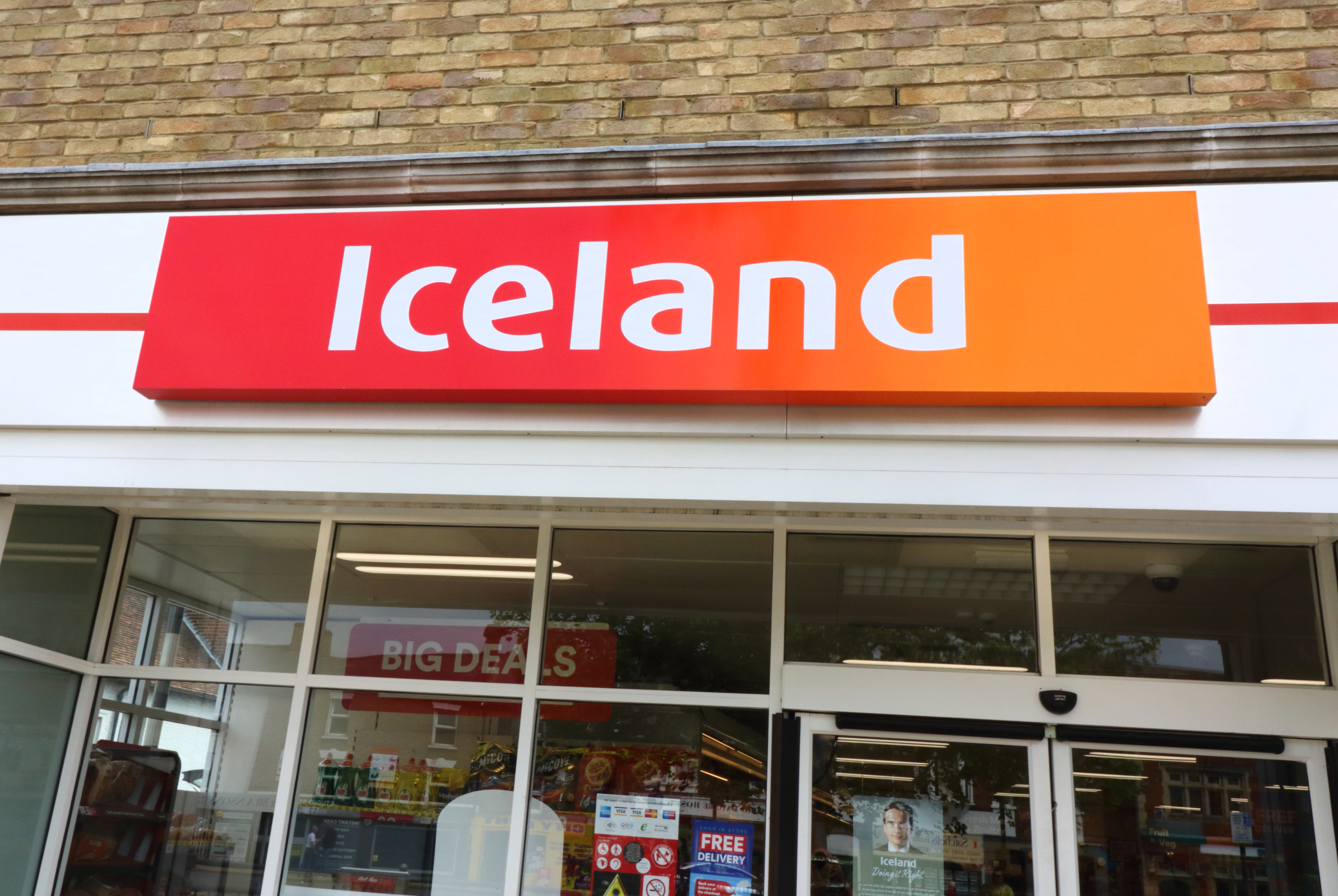 -, UNITED KINGDOM - 2019/05/19: An Iceland store sign seen outside the store, One of the Top Ten Supermarket chains / brands in the United Kingdom. (Photo by Keith Mayhew/SOPA Images/LightRocket via Getty Images)