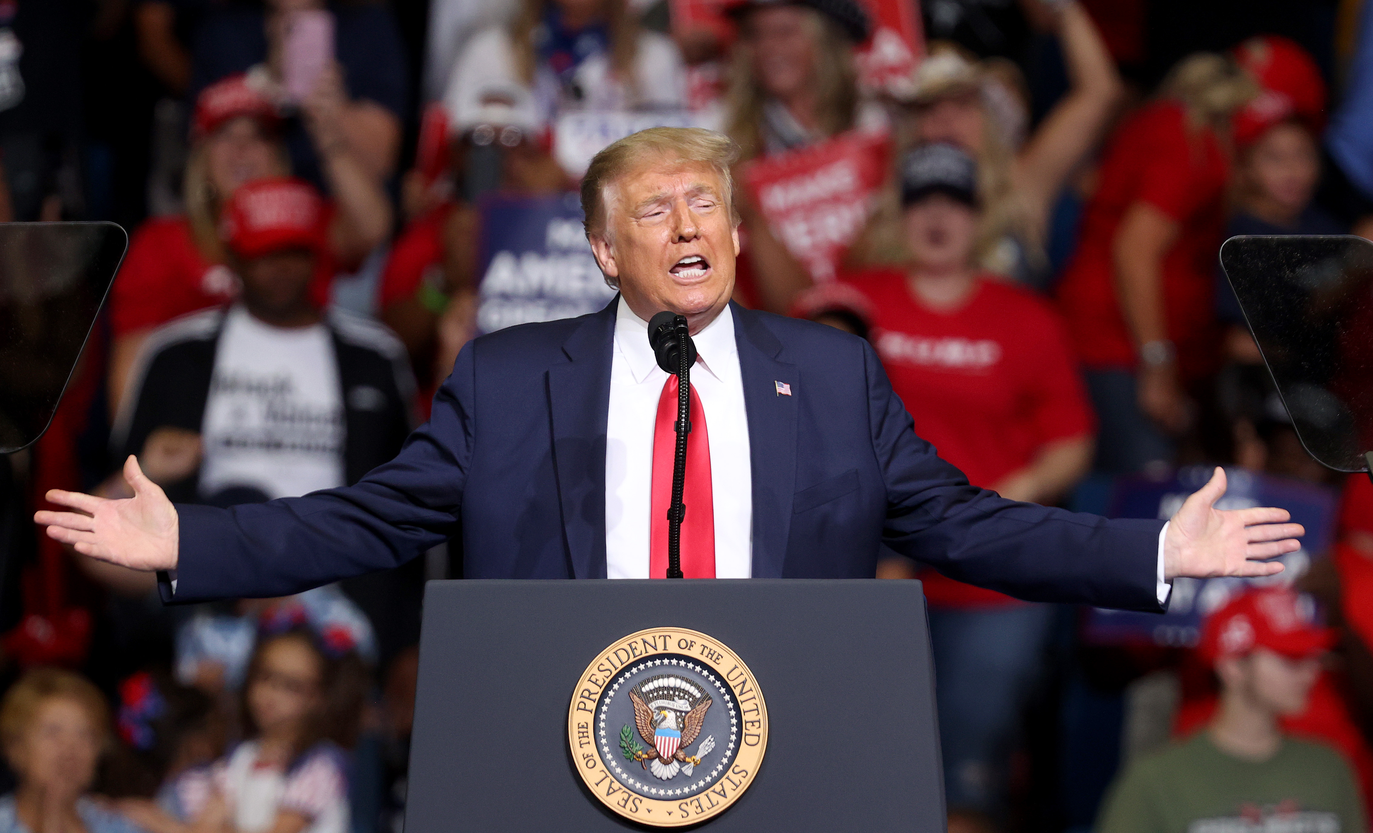 TULSA, OKLAHOMA - JUNE 20: U.S. President Donald Trump arrives at  a campaign rally at the BOK Center, June 20, 2020 in Tulsa, Oklahoma. Trump is holding his first political rally since the start of the coronavirus pandemic at the BOK Center today while infection rates in the state of Oklahoma continue to rise. (Photo by Win McNamee/Getty Images)
