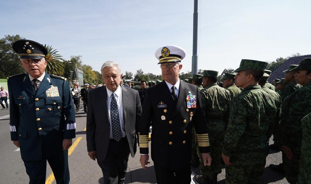 López Obrador ante unos 21 mil elementos de las Fuerzas Armadas de