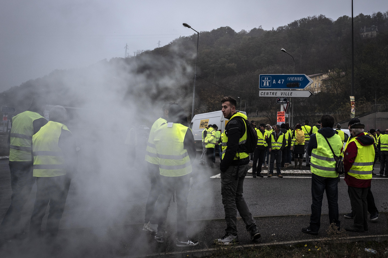 Une manifestante tuée en Savoie après la panique d'une