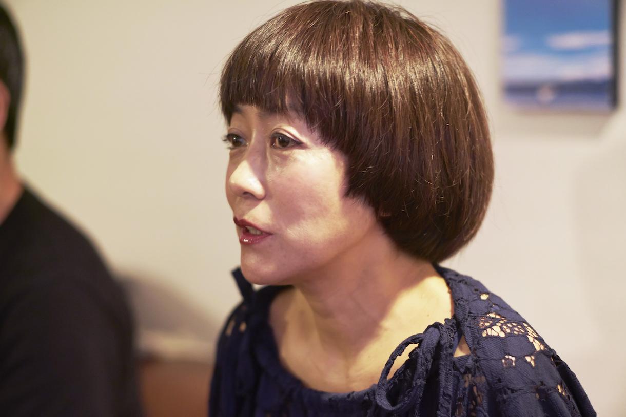 松尾たいこ(まつお・たいこ)。アーティスト/イラストレーター。広島県呉市生まれ。短大卒業後、約10年の自動車メーカー勤務を経て、32歳だった1995年に上京。98年よりフリーのイラストレーターとなり、これまで手がけた本の表紙イラストは300冊を超える。2014年より、陶芸制作もスタート。現在は、東京、軽井沢、福井の3か所を拠点に活動中。『部屋が片づかない、家事が回らない、人間関係がうまくいかない 暮らしの「もやもや」整理術』(扶桑社)発売中。