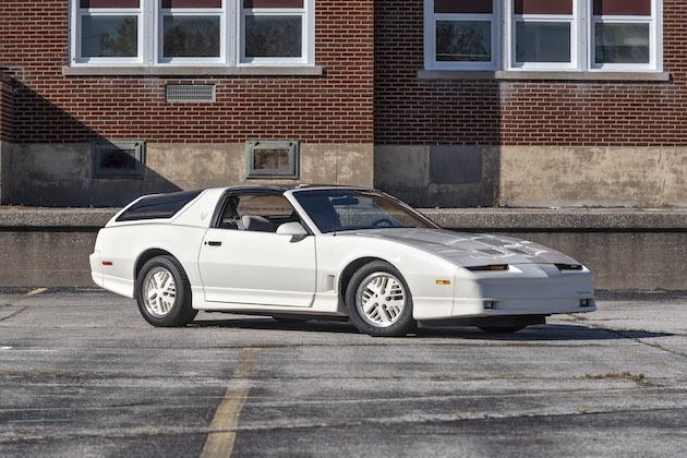 1985年に3台だけ試作されたポンティアック「トランザム カムバック コンセプト」がオークションに!