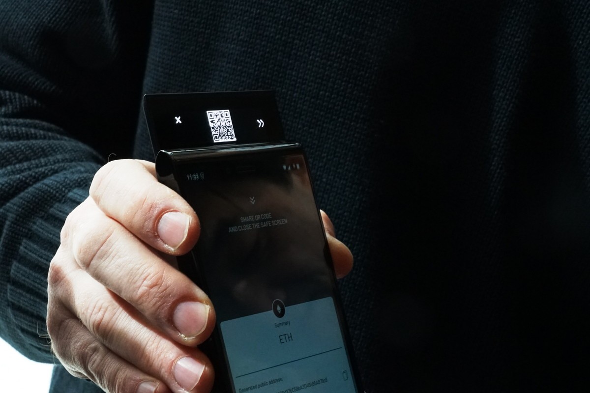 Blockchain Smartphone FINNEY
