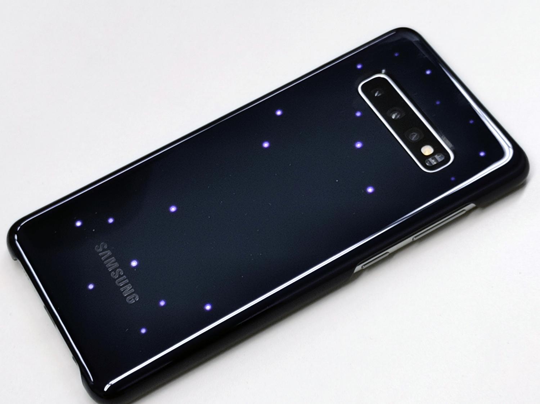 Galaxy S10は背面も光る!純正の「LEDカバー」を試してみた - Engadget