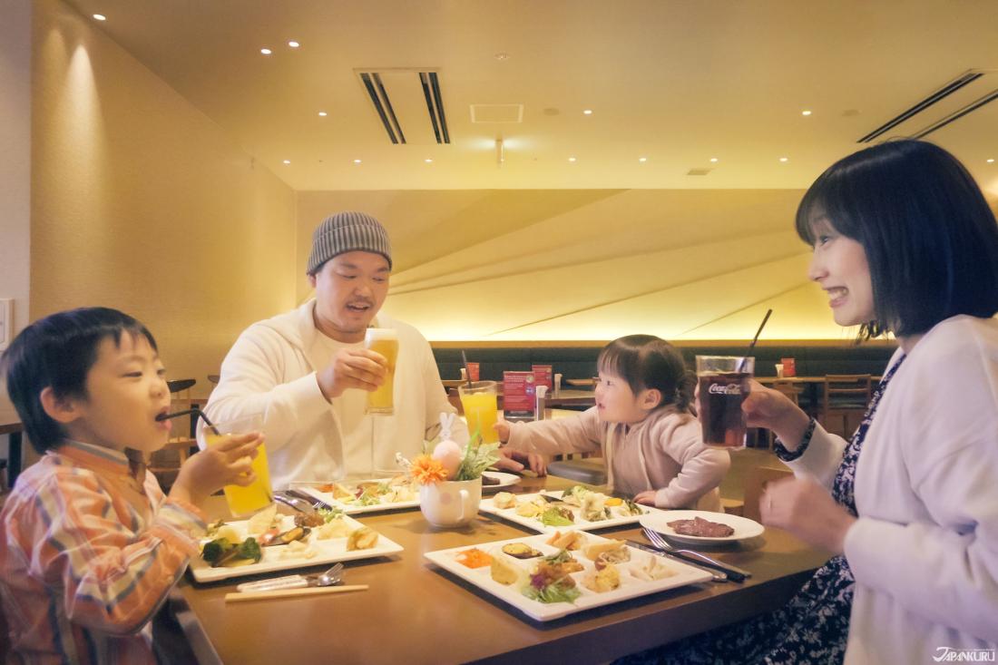 SORA·TABEYO中,有為孩童特別準備的Buffet餐點,讓爸爸媽媽和小朋友都能愉快享受用餐時光