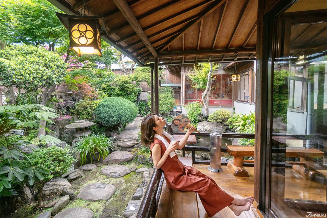 古色古香,綠意盎然的緣側庭園,讓人全然放鬆。