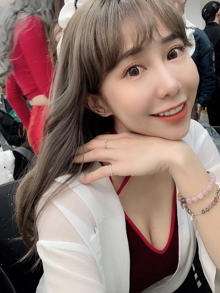 梓梓外型甜美 身材火辣