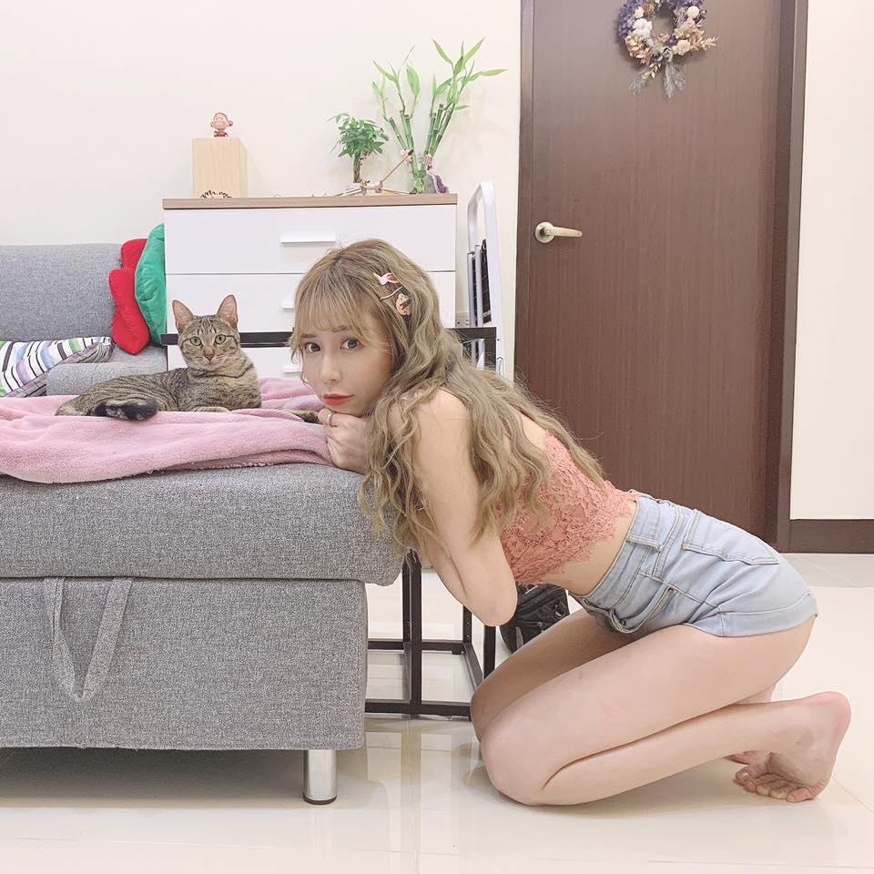 梓梓的愛貓茶抹 因這台車與她結緣
