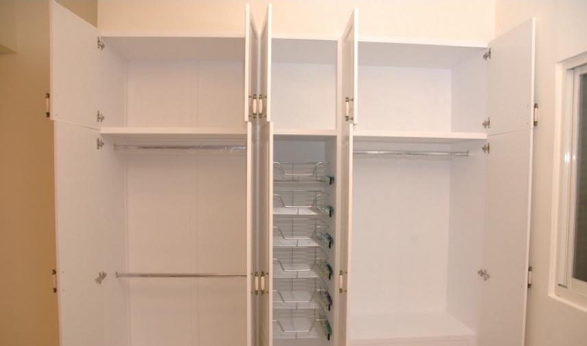 舊桶身若堪用,就可只換門片,IKEA的鄉村風門片CP值還不賴。(阿德提供)