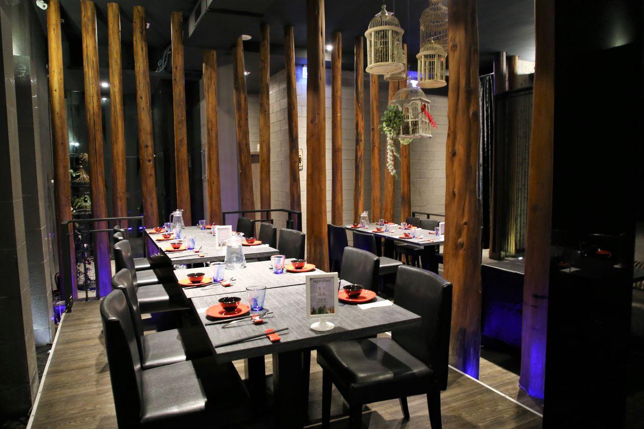 ▲「川門子」用餐空間帶點夜店的時髦感,十分特別。