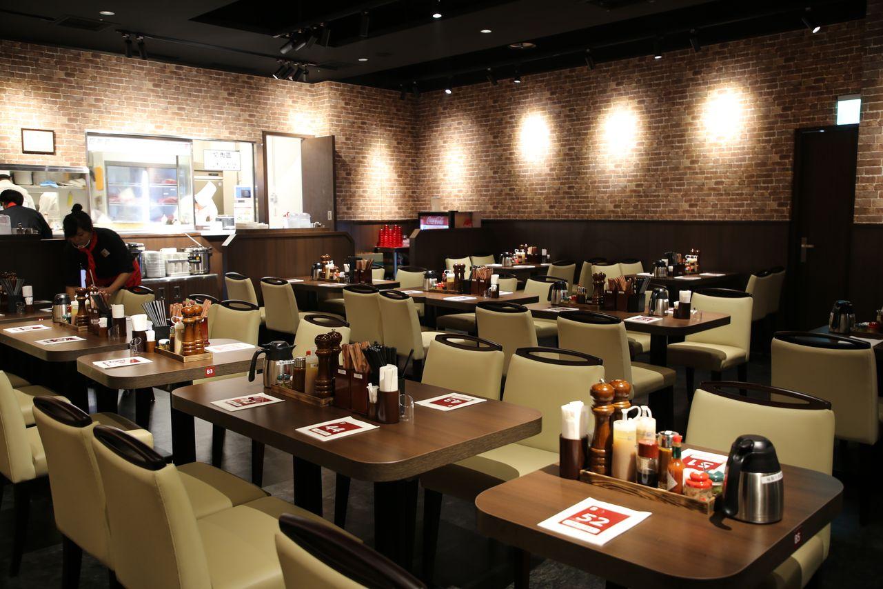 ▲台灣「いきなり!ステーキ」IKINARI STEAK為全座位區的牛排館。