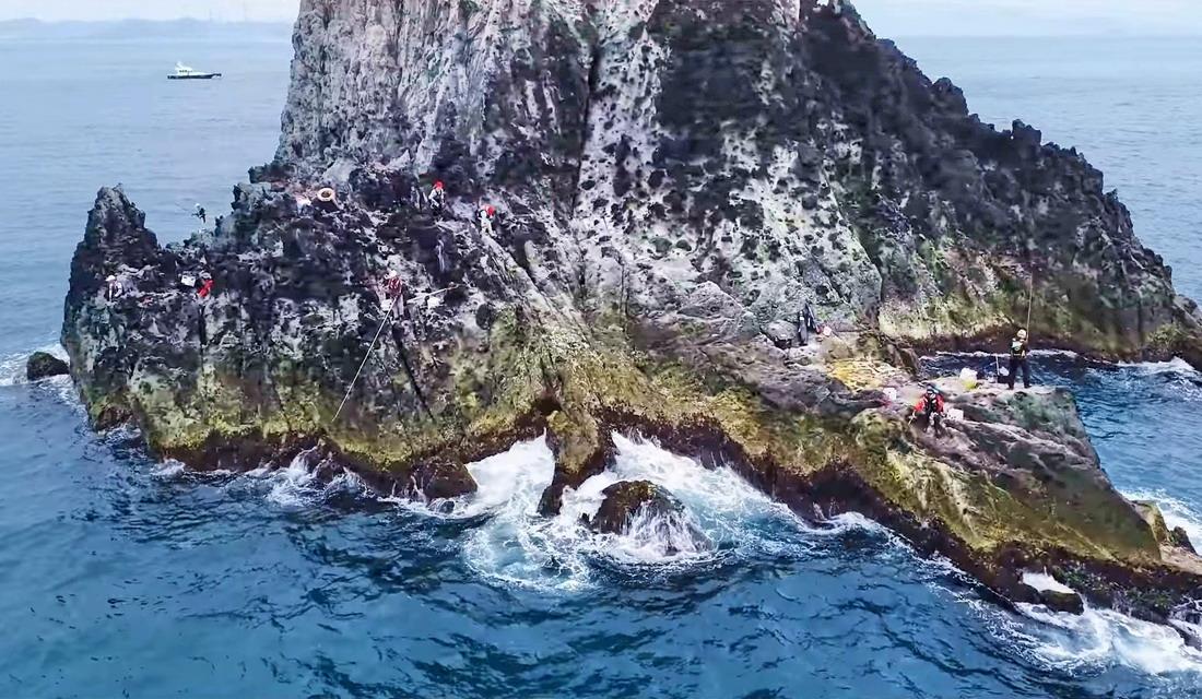 奇岩密佈的基隆嶼,有著十足的觀光魅力。基隆市政府提供