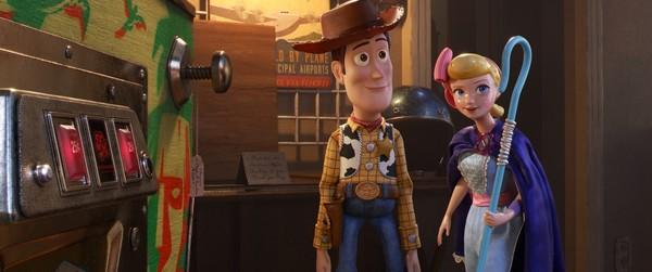 《玩具總動員4》近日試片,在外媒開出一片好評價。(圖/迪士尼提供)