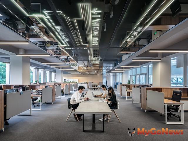 ▲共享辦公室正夯 信義區整建辦公大樓租金每坪3千元