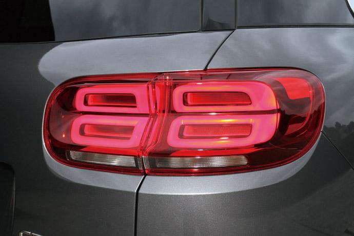 造型特異大膽的立體尾燈,相當令人注目。 版權所有/汽車視界