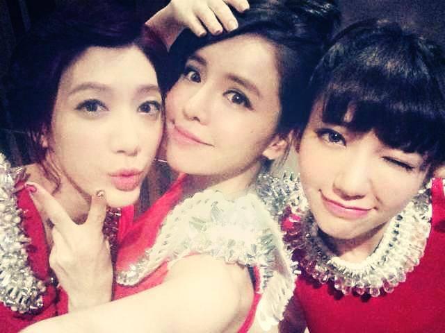 「Dream Girls」由(左起)宋米秦、李毓芬、郭雪芙組成,舞台上熱力十足。