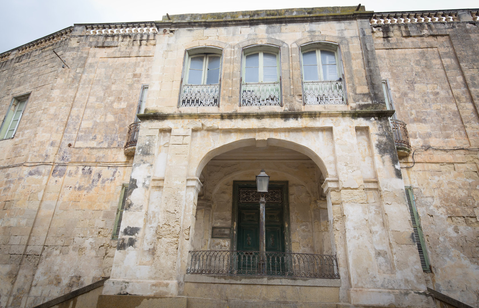 The Queen's former Malta home, Villa Gaurdamangia, has gone up for sale [Photo: Getty]