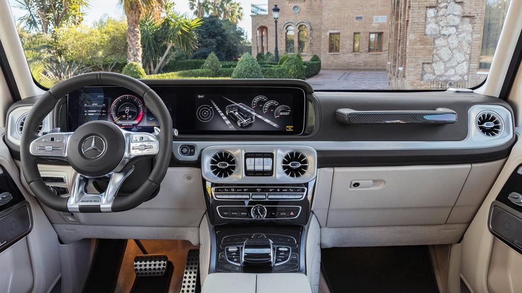 圖 / Mercedes-AMG G 63 W464中控台的COMAND Online集結多項高科技,內裝許多細節更可感受到經典的AMG元素。