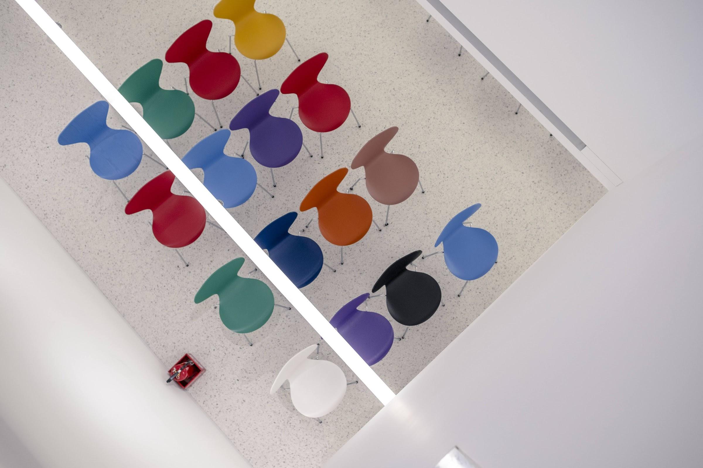北歐設計師Arne Jacobsen經典系列「Series 7™」