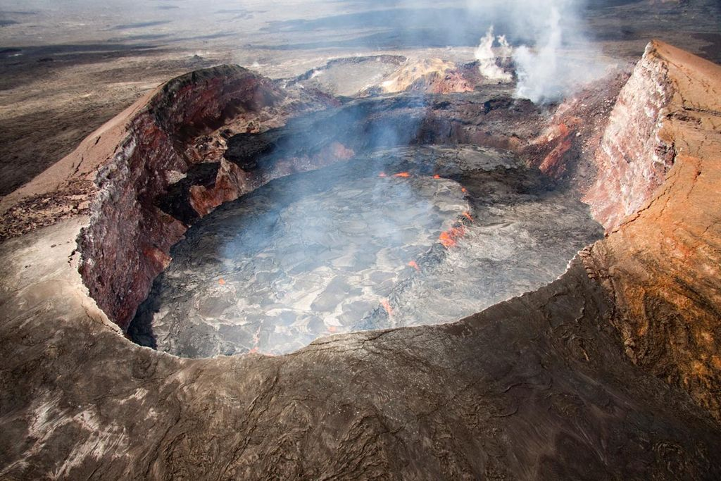 (Photo by United States Geological Survey, 圖片來源volcanoes.usgs.gov/volcanoes/kilauea/monitoring_kilauea.html)