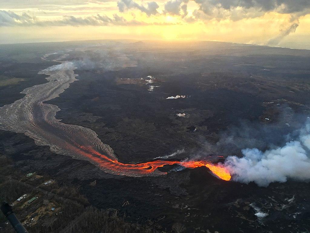 (Photo by United States Geological Survey, 圖片來源volcanoes.usgs.gov/observatories/hvo/multimedia_uploads/multimediaFile-2444.jpg)