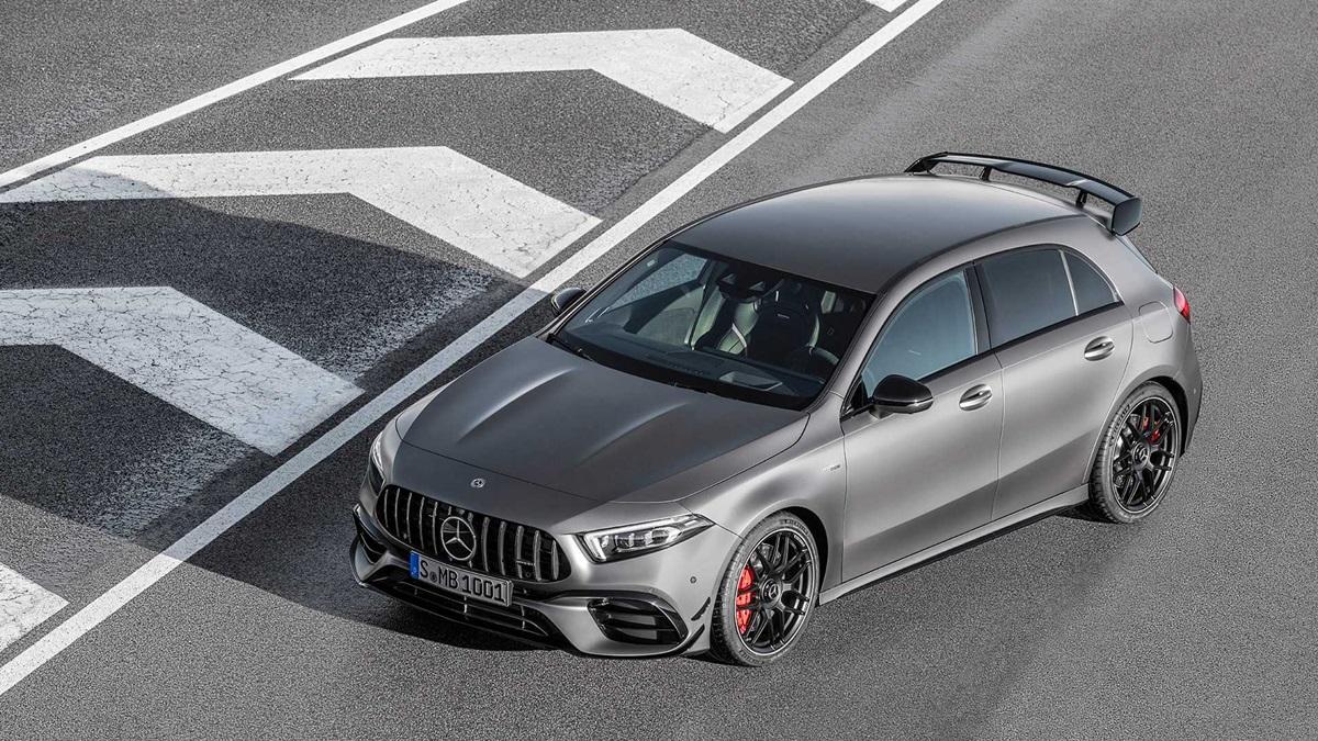 A45、CLA45 搭載 18 吋 AMG 鋁圈,在 45 S 車型上則換上 19 吋樣式。