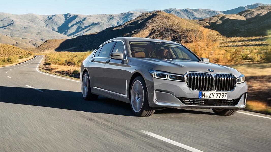 圖/最高規格的M760Li xDrive配備強悍BMW M TwinPower Turbo V12汽油引擎,最大可提供609匹馬力與86.7kgm最大扭力。