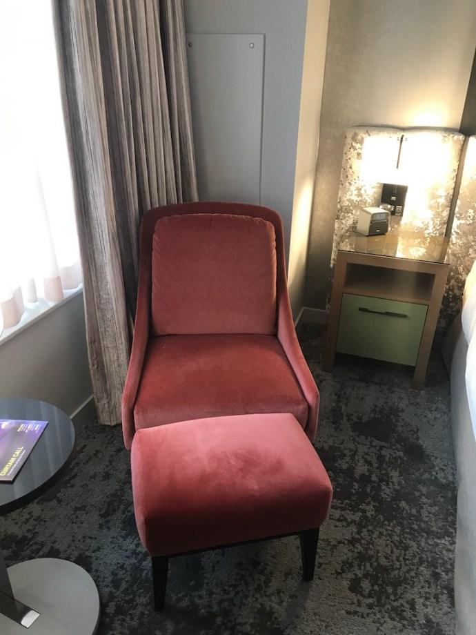 這個座椅雖然看起來有點歲月,但是做起來很舒服,算是老當益壯