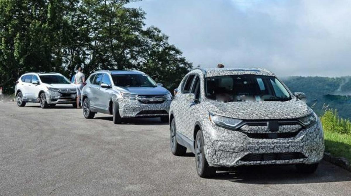此為外媒《Motor 1》捕獲小改款 CR-V 測試車,最快有望今年底會登場。