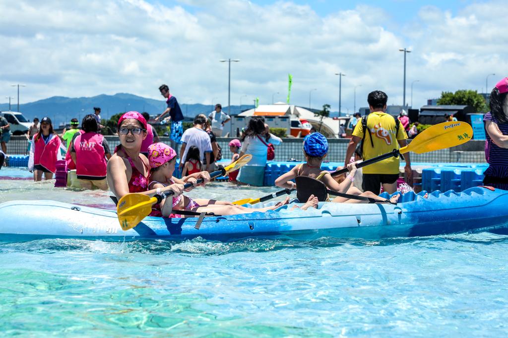 (滑氣墊船活動資料照 圖片來源:台北旅遊網)