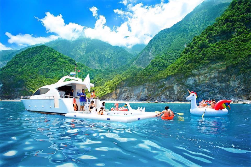 搭乘遊艇出海徜徉大自然 (圖片來源:太魯閣晶英酒店)