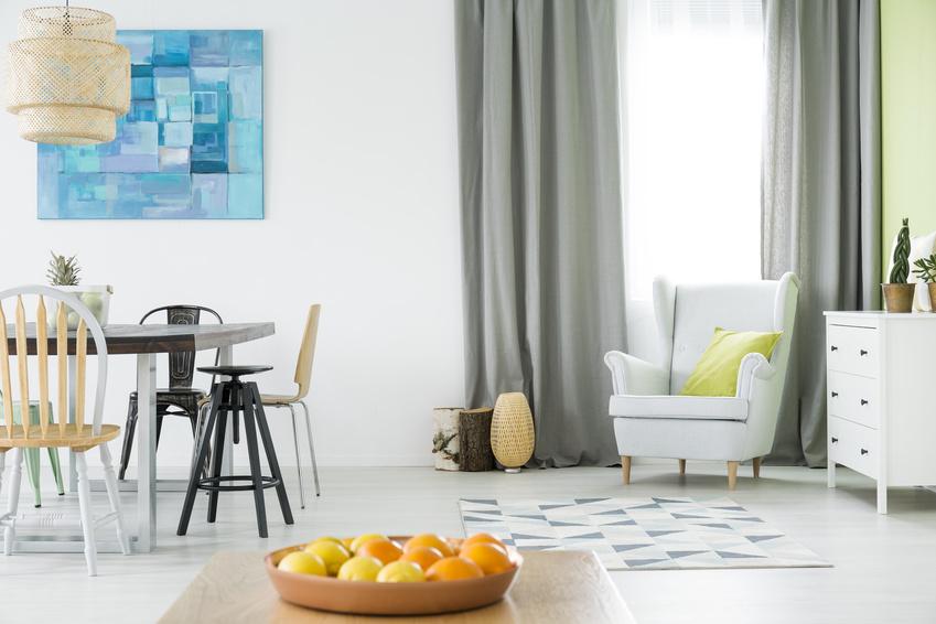 ▲想要營造一室的清涼感,不妨就在家中添幾盆綠色植物吧!