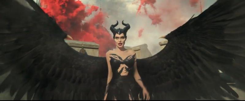 黑魔女因反對婚事而向「親家」開戰。(截自youtube)
