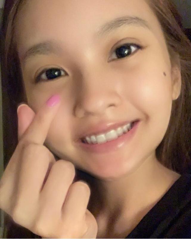 楊丞琳6月生日時,李榮浩也曾上傳照片,並寫下「我的女孩」大方放閃。(截自李榮浩 IG)