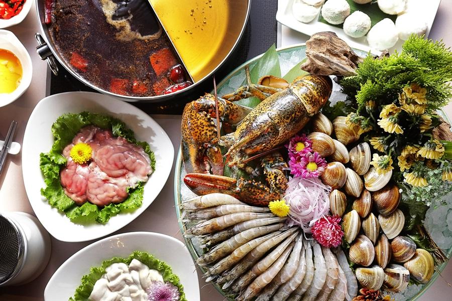 木蘭閣鴛鴦鍋海陸套餐。攝影/張晨晟
