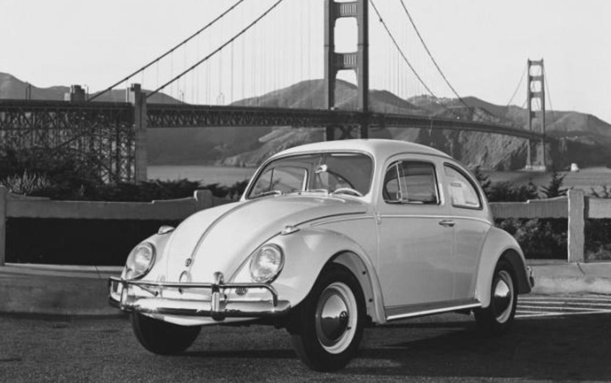 自 1938 年問世,第一代車型就買出 2150 萬輛的驚人成績。