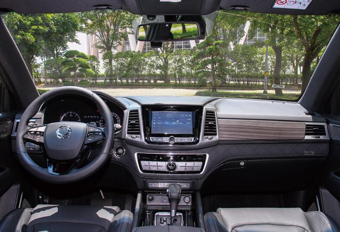 整體內裝給人舒適與高質感,整體設計以菱格紋為主要元素。 版權所有/汽車視界