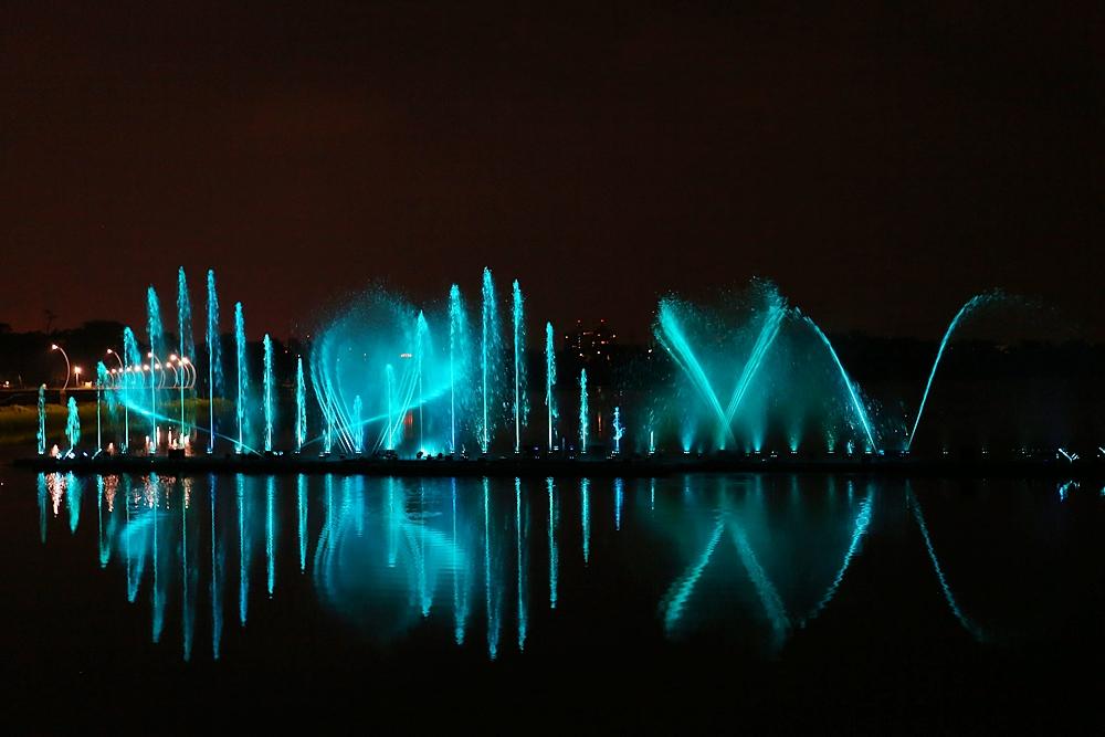 夜間限定 月影潭心與蘭潭音樂水舞噴泉