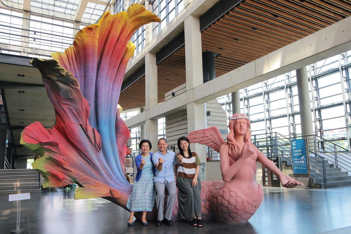 4米高的美人魚泥雕 (圖片來源:鶯歌陶瓷博物館)