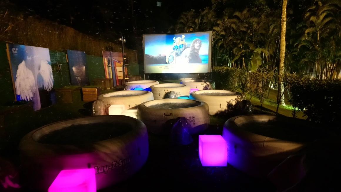 台灣首創露天泡泡浴缸電影院(圖片來源:台南趣淘漫旅)