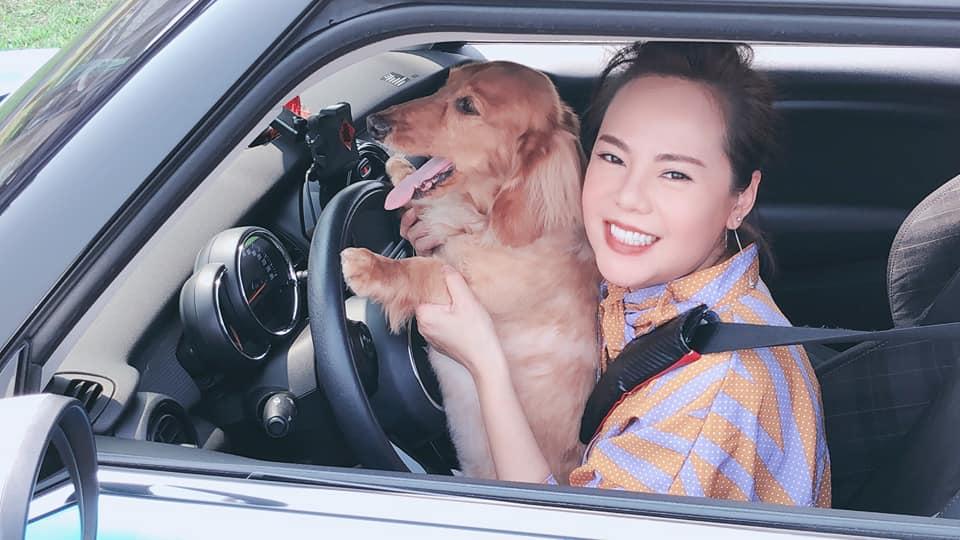 錦雯覺得自己開車最好